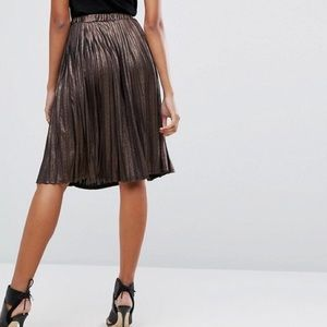Missguided Pleated Metallic Midi Skirt